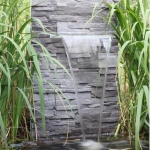Fontaine et lame d'eau